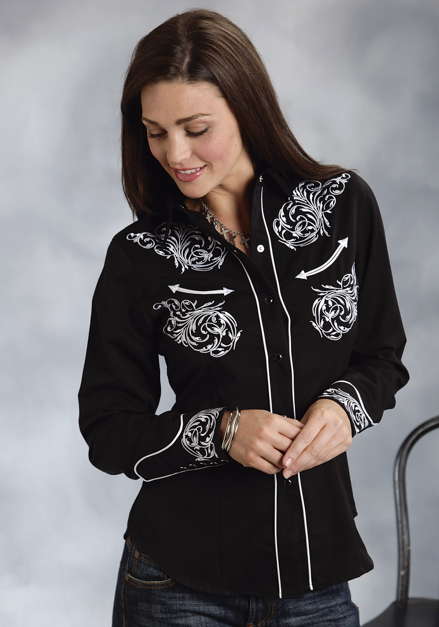 Roper 174 Women S Black Embroidered Long Sleeve Snap Western