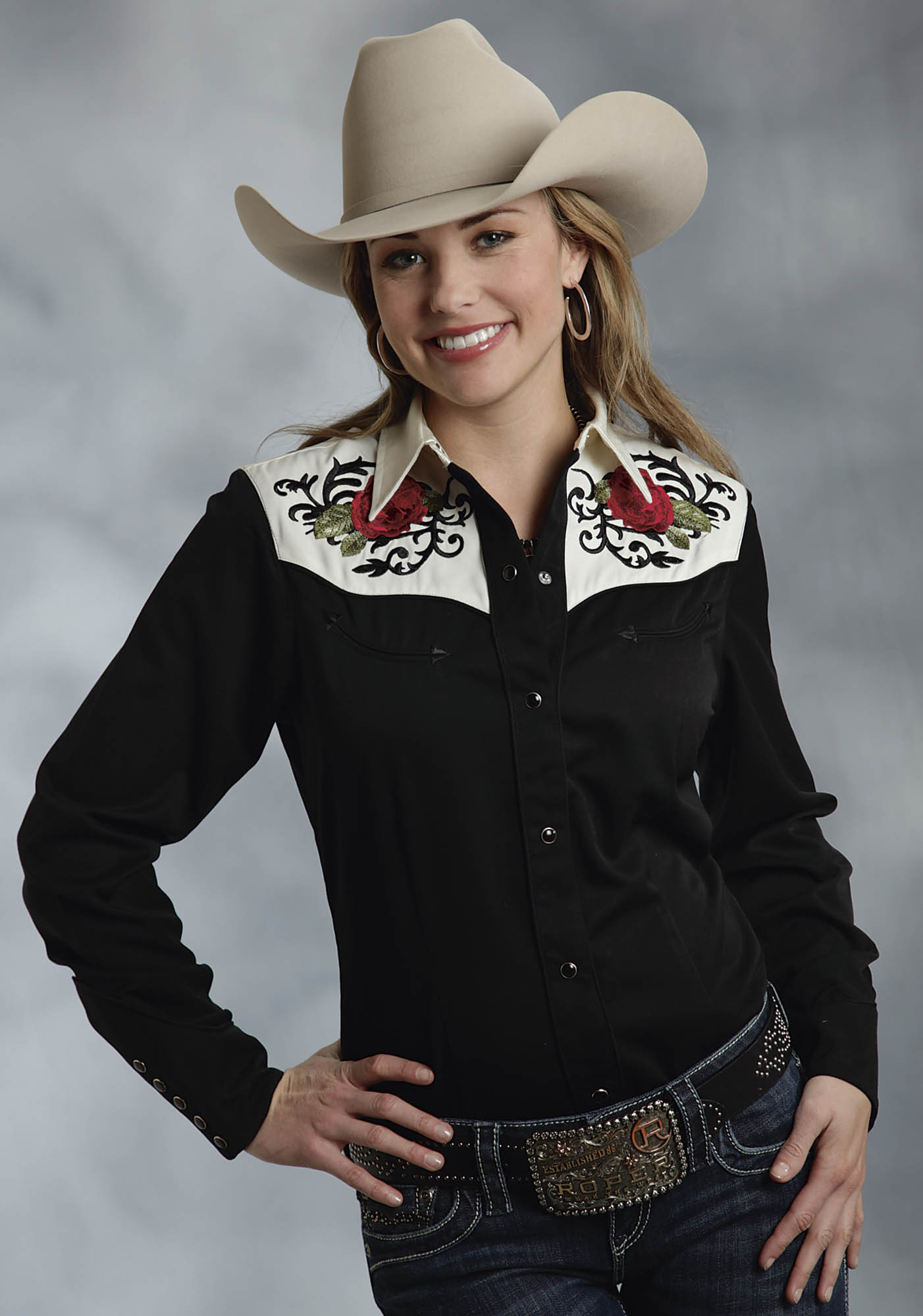 Roper womens black rose embroidered smile pockets long